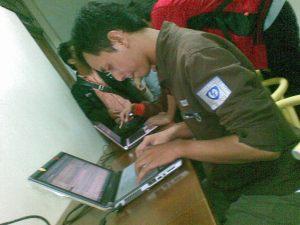 bolos kuliah, ngeblog di lorong kampus